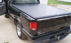 New Truxedo Truxsport Tonneau Cover Free Shipping, 608-482-3454 TJ's Truck Accessories visit us at http://www.tjtrucks.com Truxedo Truxsport Tonneau Covers. Roll up covers at a snap cover price! Free Shipping in lower 48 states. Features Smooth Look, No